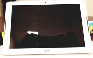 Acer A6003 tablet (white) for Sale in Houston, TX
