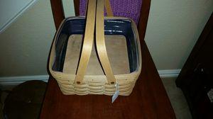 Longaberger Cake/small picnic basket for Sale in Arlington, TX