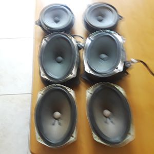 Boss speakers from a Nissan maxima 2012 its original from the factory for Sale in Kissimmee, FL