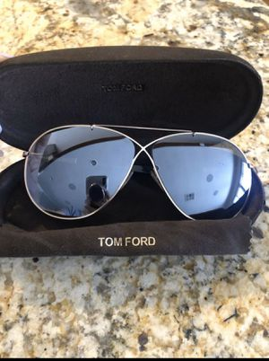 Authentic Tom Ford Eva Aviator Sunglasses for Sale in San Diego, CA
