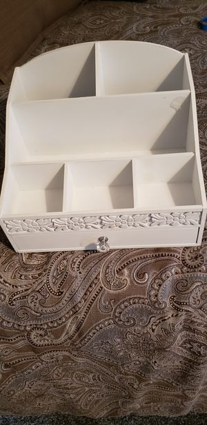 White organizer with drawer for Sale in New Bedford, MA