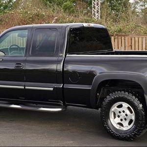 Perfect Family TRUCK SILVERADO Chevy for Sale in Orlando, FL