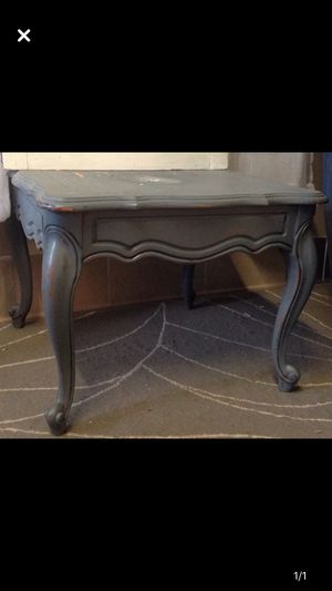 Small gray side table for Sale in Edgewater, CO