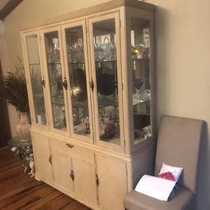 China cabinet with hutch for Sale in Nashville, TN