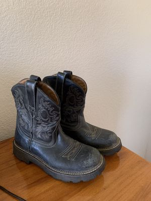 ARIAT BOOTS (woman's size 8) for Sale in Banning, CA