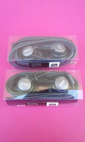2 Samsung S9 S8 AKG Headphones Brand New for Sale in National City, CA
