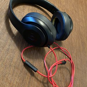 Beats Studio Headphones by Dr Dre for Sale in Tracy, CA