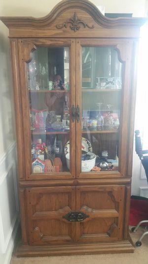Antique cabinet for Sale in Powder Springs, GA