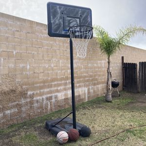 Basketball Hoop for Sale in Glendora, CA