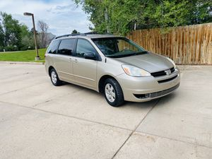 2004 TOYOTA SIENNA LE $2,750 for Sale in Denver, CO