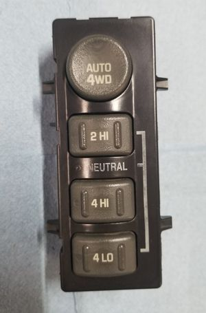 GM OEM 99 - 06 Chevy GMC 4x4 4wd Selector Switch in Good Condition! for Sale in Gonzales, LA