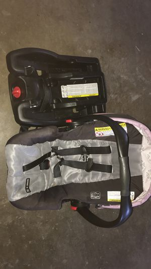 Car seat and base for Sale in Poplar Grove, IL