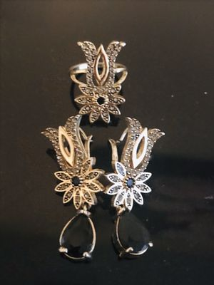 Beatiful earings+ ring 7 set for Sale in Naperville, IL