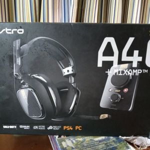ASTRO A40 TR - Gaming Headset + MixAmp Pro TR - PS4 for Sale in Riverside, CA