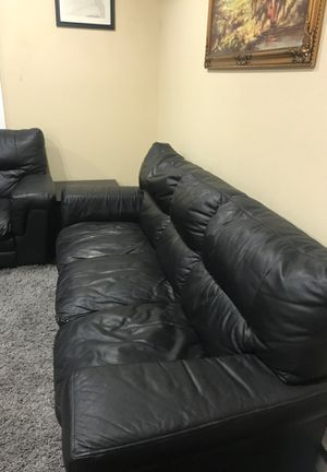 Leather sofa for Sale in Fremont, CA