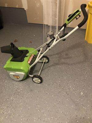 Greenworks 20-Inch 12 Amp Corded Snow Thrower 26032 for Sale in East Brunswick, NJ