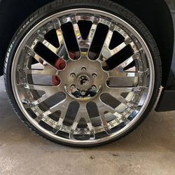 28 Inch FORGIATO 6 LUGS NICE LIKE NEW 6000 for Sale in Avon,  IN