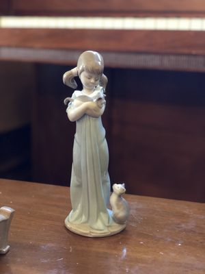 """Lladro figurine 5743 """"Don't forget me"""" for Sale in Cresskill, NJ"""