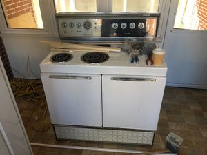 Frigidaire custom deluxe for Sale in Winchester, VA