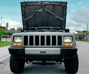 Luxuri SUV ⚜️2000 Jeep Cherokee Sport-Excelent Price 500💲 for Sale in Santa Ana, CA