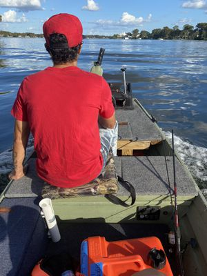 12 ft boat with trolling motor and more (gas motor is extra$) for Sale in Aloma, FL