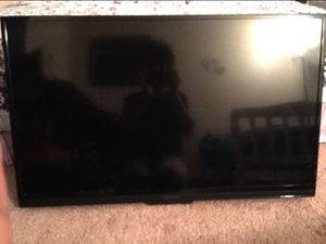 """TV INSIGNIA 39"""" for Sale in Cuyahoga Falls, OH"""