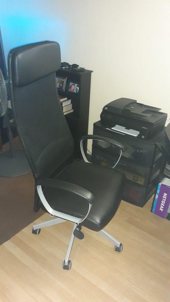 Markus IKEA desk chair