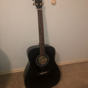 Yamaha F335 Acoustic Guitar for Sale in Fort Worth, TX