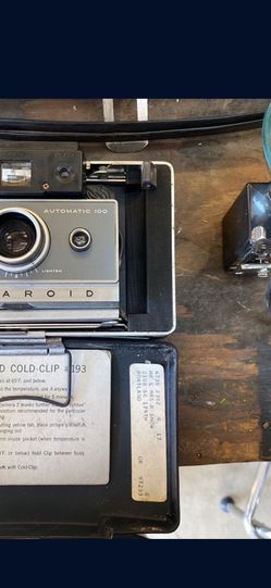 Vintage 60's Polaroid Land Camera With Case And Extras. Super Cool! for Sale in Sherwood,  OR