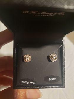 Diamond Stud Earrings for Sale in Upper Marlboro,  MD