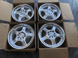 RINES 15X6.5 para carros de 4 hoyos for Sale in Avondale, AZ