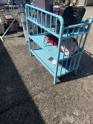 Baby changing table for Sale in Glenview, IL