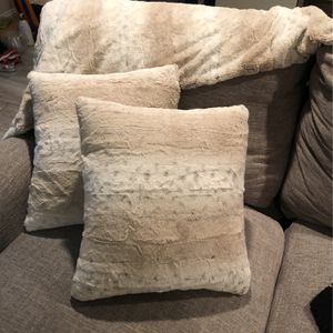 Pillows And Matching Throw for Sale in Arlington, VA