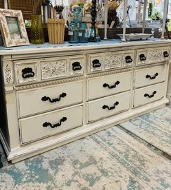 Refinished White Farmhouse 9 Drawer Dresser for Sale in Bonney Lake,  WA