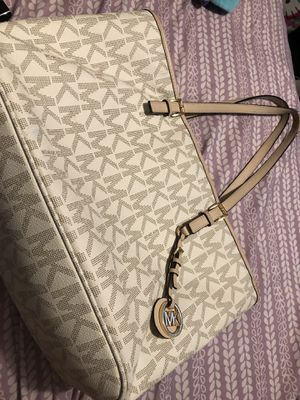 Michael kors large tote for Sale in Dallas, TX