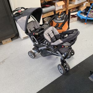 Double Baby Stroller for Sale in Burlington, NJ