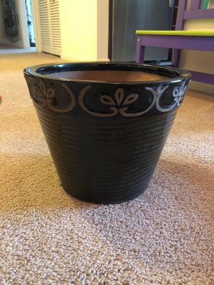 Flower pot for Sale in Westminster, MD