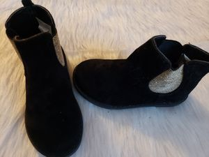 Gymboree girls holiday boots size 8 for Sale in North Andover, MA