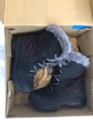 Columbia Snow boots little girls Size 1 for Sale in Miami, FL