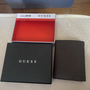 Guess Wallet for Sale in Lakewood Township, NJ