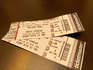 Two tickets to Holiday Bowl for Sale in San Diego, CA