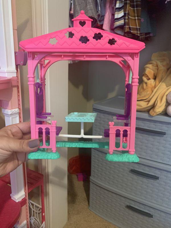 Barbie toys/accessories