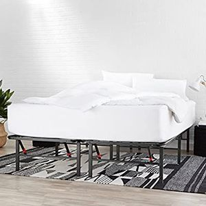 Queen size metal bed frame for Sale in West Hartford, CT