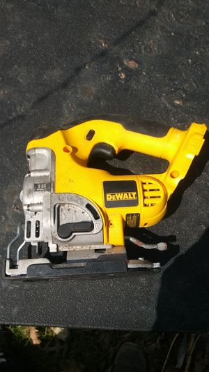 DeWalt battery powered jigsaw never used, doesn't come with battery for Sale in East Moline, IL