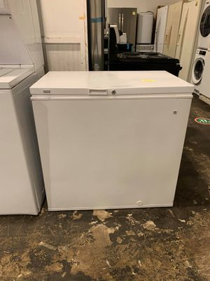 Used excellent condition Ge chest freezer for Sale in Arbutus, MD