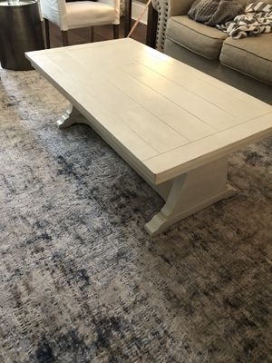 Off white coffee table for Sale in Dallas, TX