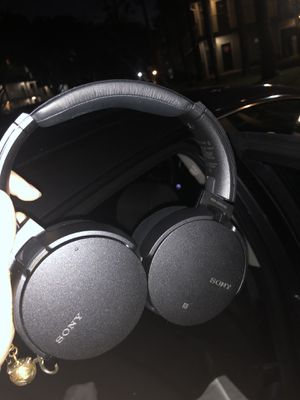 Sony 950n1 Noise Cancelling Headphones - Extra Bass for Sale in Orlando, FL