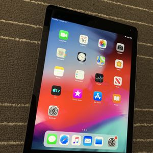 Apple iPad Air 1st gen 32Gb like new condition - iPad only -- TESTED WORKS LIKE NEW - Factory RESETTED - Clean iCLOUD - Great for kids, Gaming , Zoom for Sale in Palatine, IL