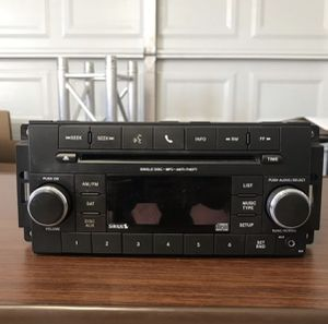 OEM Jeep Wrangler Radio headunit 15-18 JK for Sale in Chino, CA