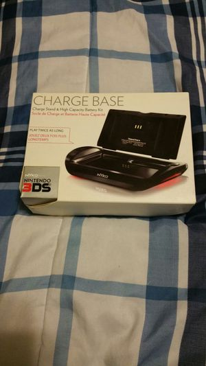 Nintendo 3ds charge base and battery lit for Sale in Upper Darby, PA